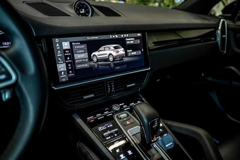 Porsche Cayenne 3.0 E-Hybrid | Panorama | Memory | 360 gradencamera | Sport Chrono | DAB afbeelding 16