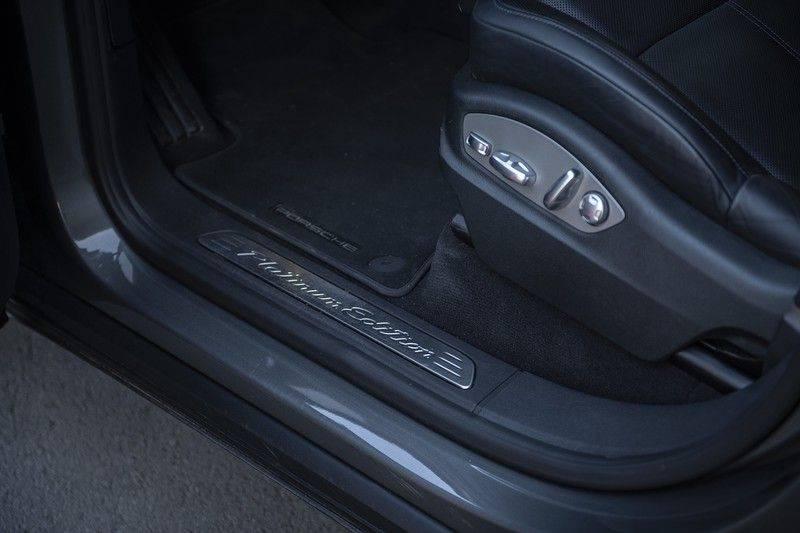 Porsche Cayenne 3.0 D Platinum Edition Org. Ned. + Dealer onderhouden + Sportchrono + Stuur/ Stoel verwarming+ Stoel koeling + Bose afbeelding 14