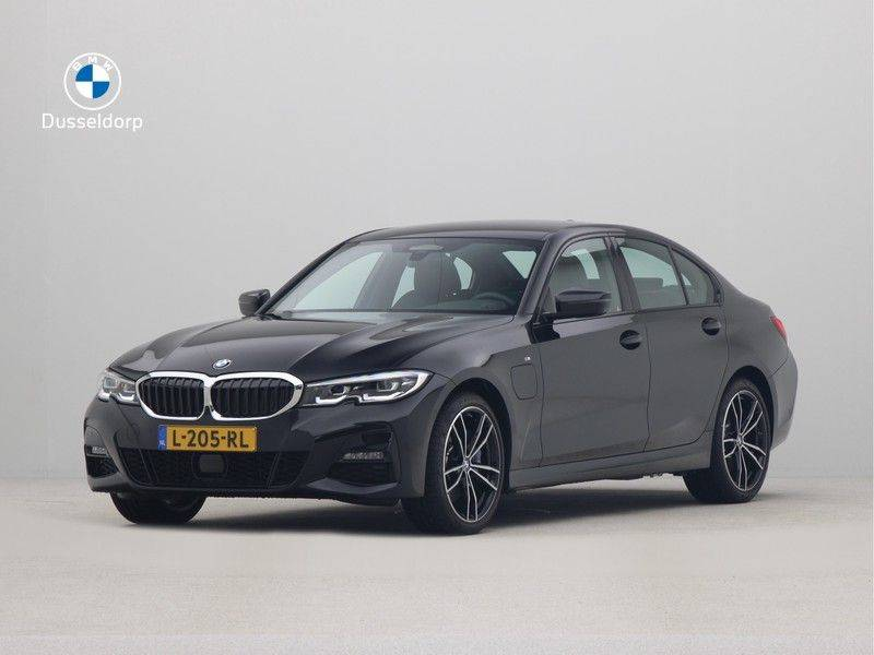 BMW 3 Serie Sedan 330e High Executive M-Sport Automaat afbeelding 1
