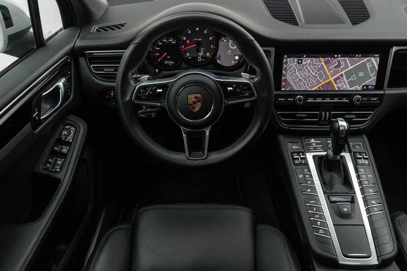 Porsche Macan 3.0 S 354pk PDK Black Design Nieuw Model (Krijt) Luchtvering Panoramadak ACC Sportleder+Memory Full-Led Bochtenverlichting Navi/High Privatglass AppleCarplay 21'' Camera Pdc Trekhaak afbeelding 3