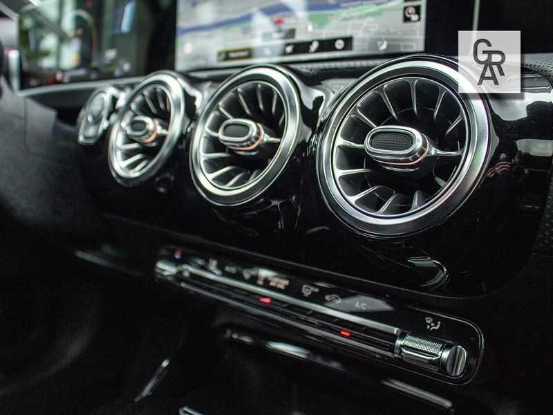 Mercedes-Benz CLA35 AMG klasse CLA35 AMG 4MATIC Premium Plus afbeelding 10
