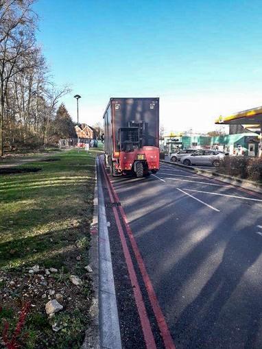 water filled barrier installation roadside in Beaconsfield