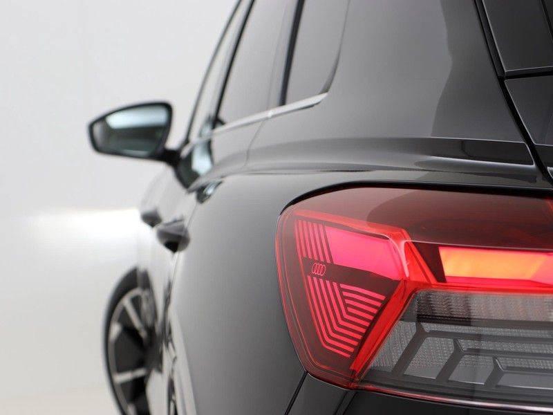 Audi Q4 40 e-tron Launch edition S Competition | Panoramadak | Lederen bekleding | Sonos | Head-up display afbeelding 18