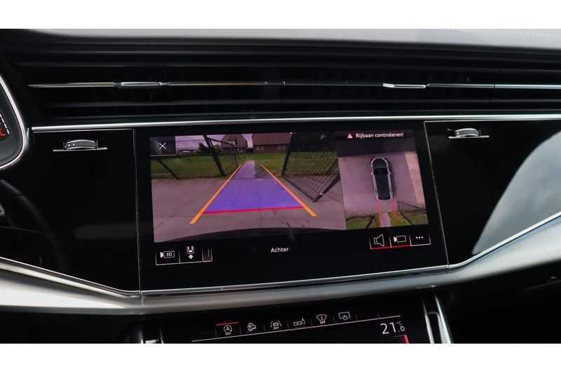 Audi Q8 55 TFSI quattro S-Line, Panoramadak, B&O, Massage, Ruitstiksel, Trekhaak afbeelding 17