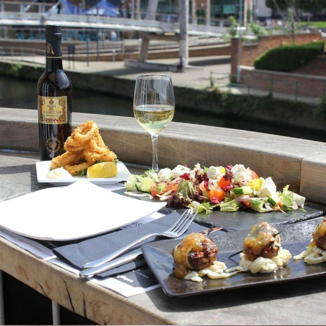Ambiente Leeds Food Outside overlooking river