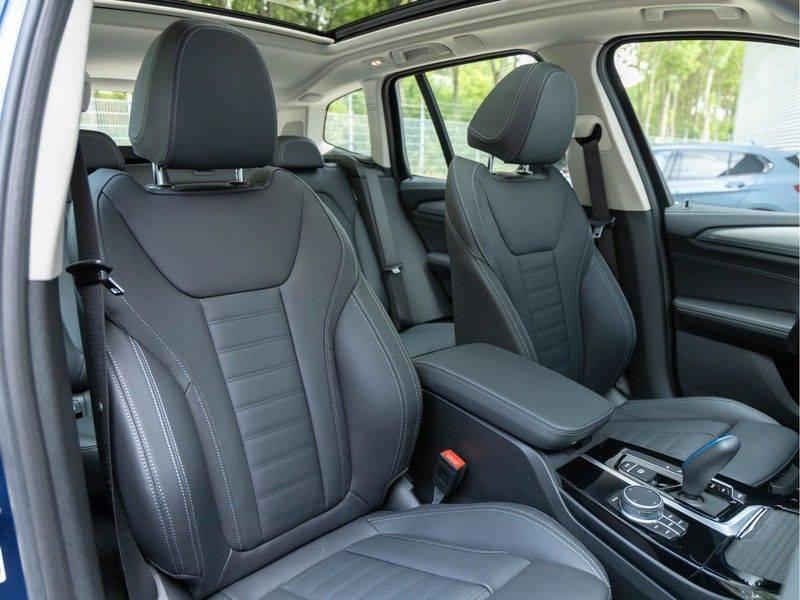 BMW iX3 High Executive - Direct Beschikbaar! afbeelding 19