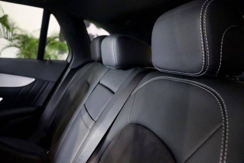 Mercedes-Benz GLC 250 4MATIC Premium Plus AMG PANO Night afbeelding 15