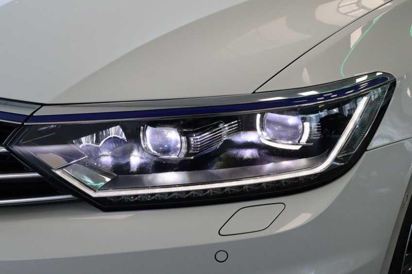 "Volkswagen Passat Variant 1.4 TSI GTE Highline Ex BTW! AD Cruise LED Leder 360 Camera HUD 20""LM afbeelding 19"