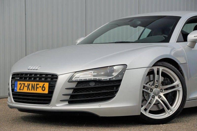 Audi R8 4.2 V8 FSI / 49dkm NAP / 1e eigenaar / B&O / R-Tronic / Orgineel Nederlands! / Navigatie afbeelding 22