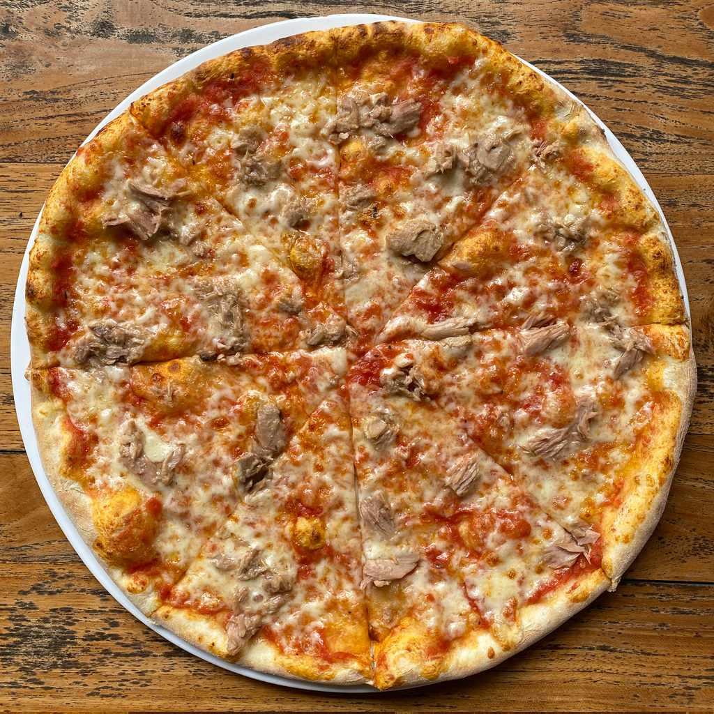 pizza: tonno