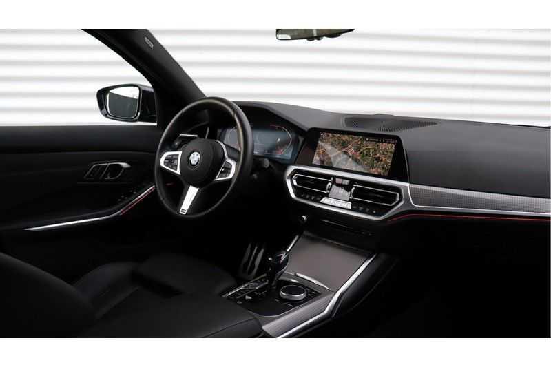 BMW 3 Serie 320i High Executive M Sport, Harman/Kardon, Live Cockpit Professional afbeelding 5