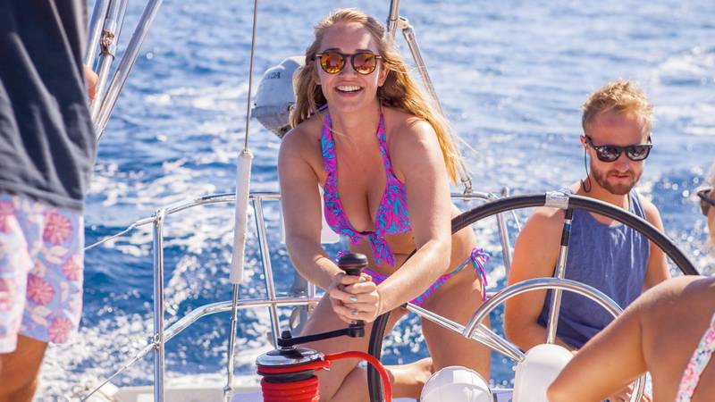 Visit peaceful Bobovisca with boat hire in Croatia