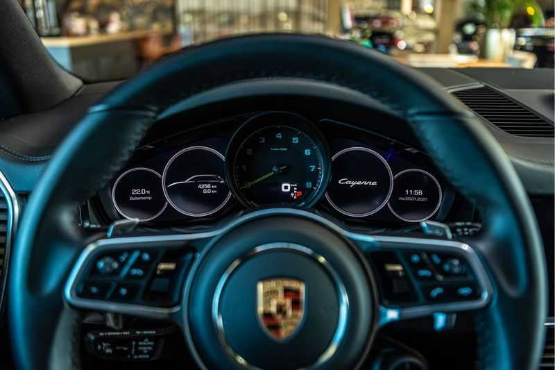 Porsche Cayenne E-Hybrid | Sport-Chrono | Panorama | BOSE | PASM | Adaptieve Sportstoelen afbeelding 11