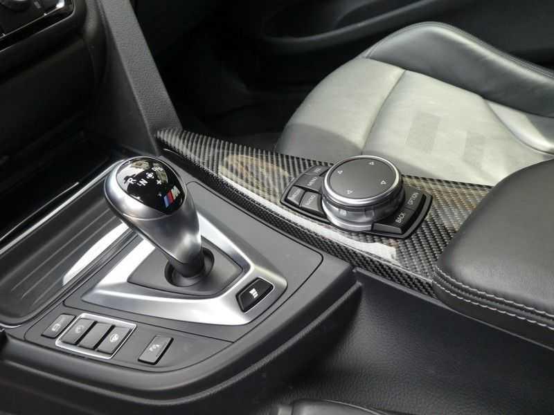 BMW M4 Coupé afbeelding 17