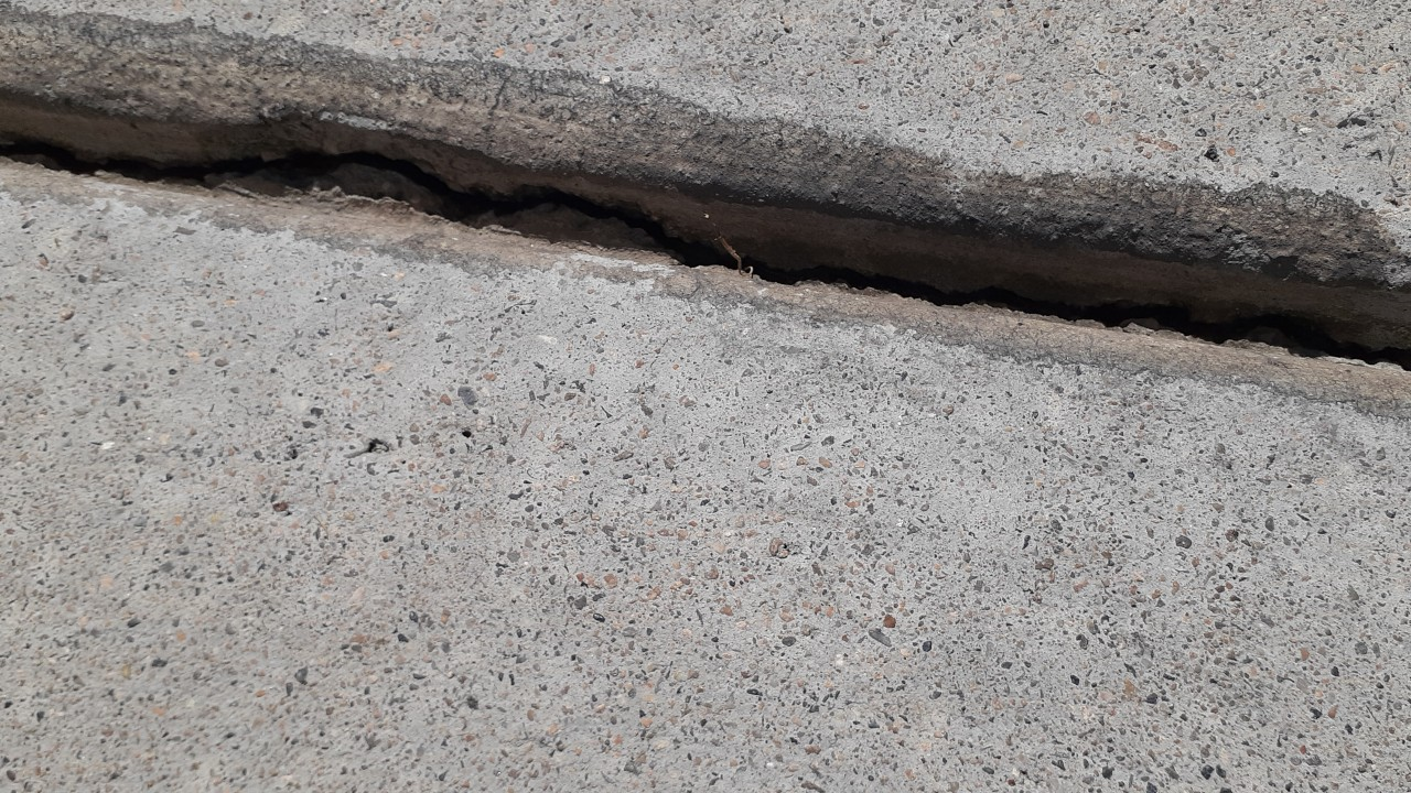 concrete-driveway-restoration--before-05