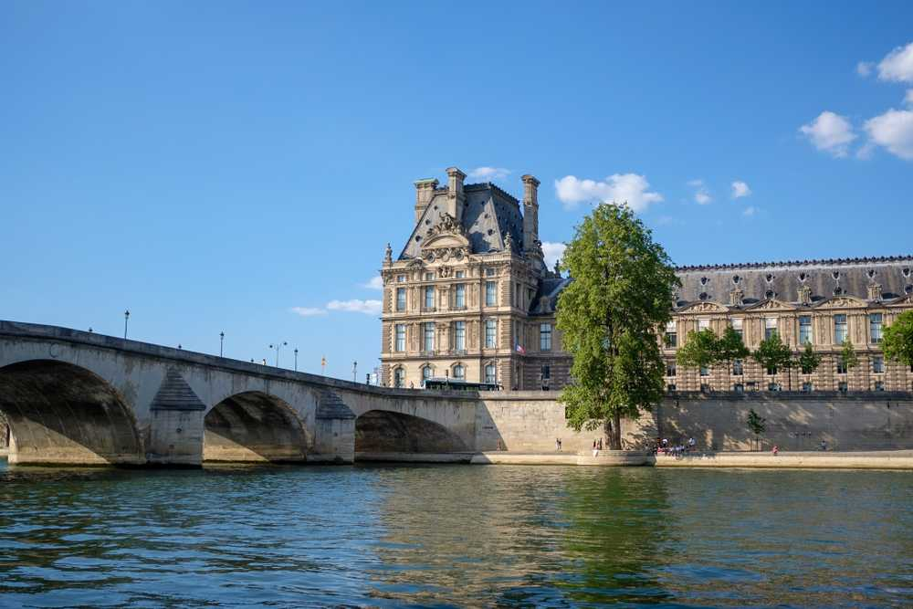 Pont Royal and The Louvre