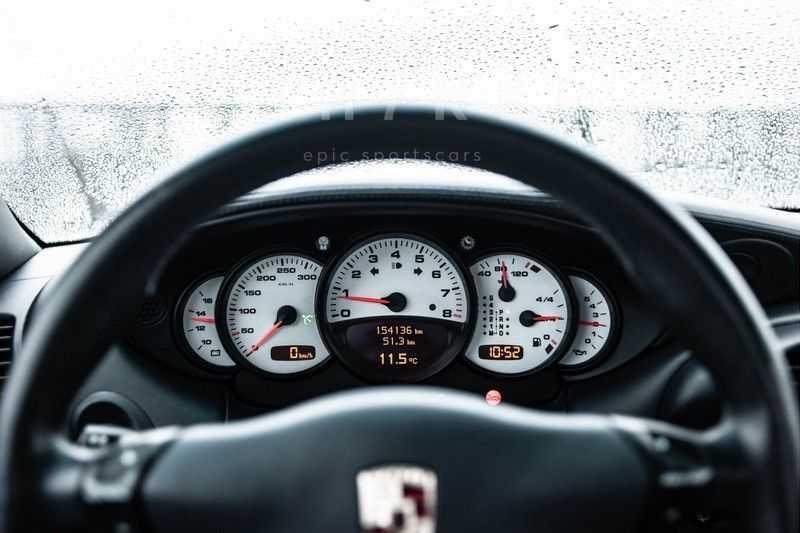 Porsche 911 3.6 Coupé Carrera 4 // Nachtblau // Mint condition afbeelding 2