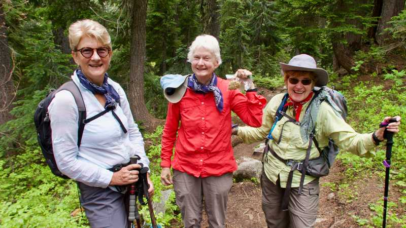 Three day hikers share their last cookie