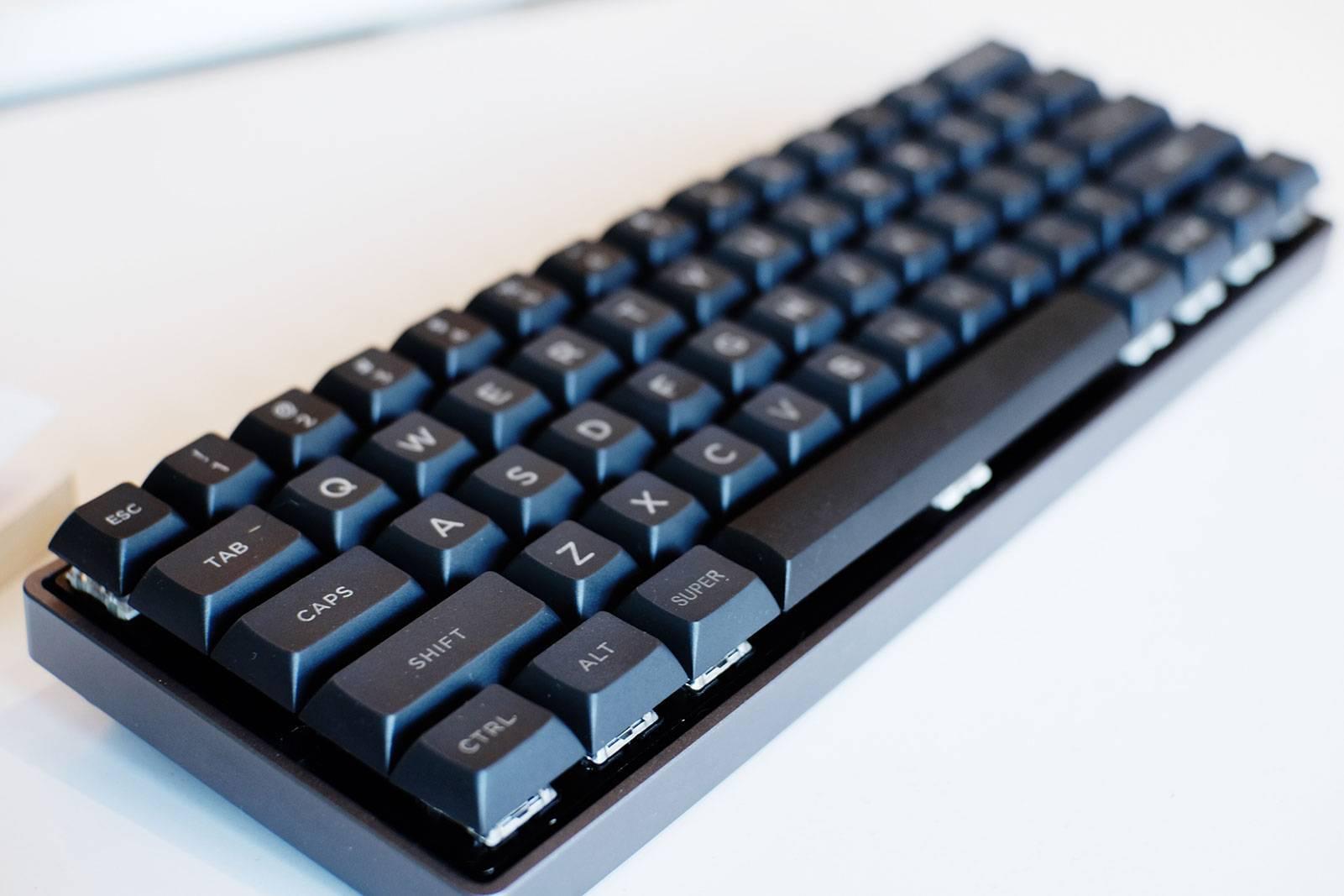 Mechanical Keyboard จาก DZ60RGB