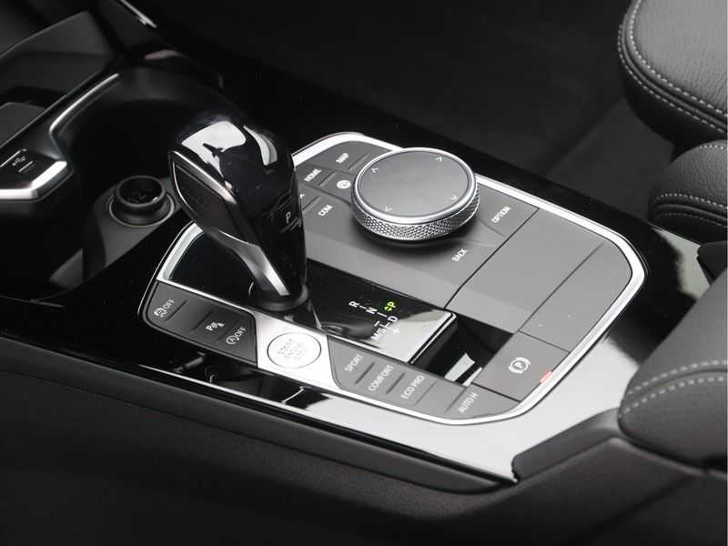 BMW 2 Serie Gran Coupé Gran Coupé 218i High Executive M-Sport Automaat afbeelding 16