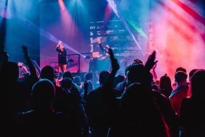 Blue and purple gig vibes