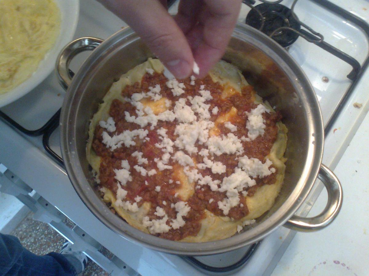 • Terzo strato: Mozzarella