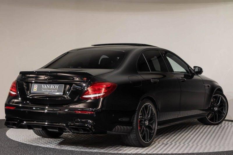 """Mercedes-Benz E-Klasse E63s AMG 4Matic 612pk Panoramadak Distronic Schaalstoelen Burmester ComandOnline Keyless 20"""" Parktronic Pdc VerlengdeGarantie t/m 03/2022 afbeelding 8"""