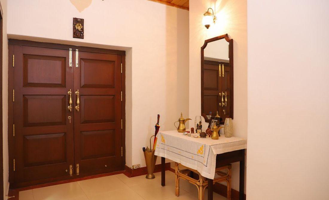 Foyer Room