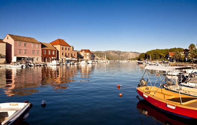 A new way to see Stari Grad Plain with boat hire in Croatia