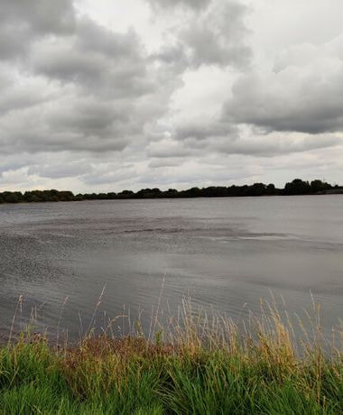 Ardsley Reservoir on a dark overcast day