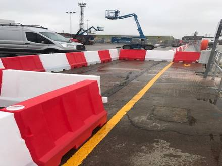 Evo 80 Barriers to Secure Waters Edge – Grimsby Dockyard