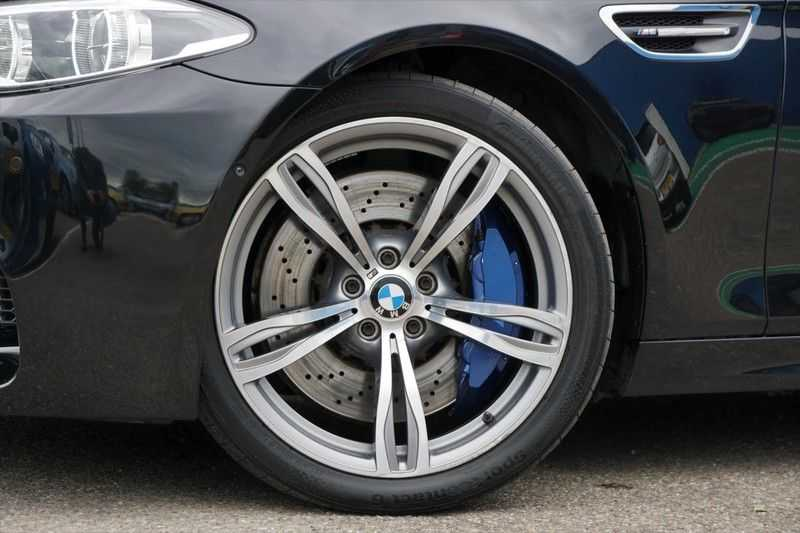 BMW 5 Serie M5 / Schuifdak / Harman Kardon / Side Assist / Head-Up / Stuurverw. / Trekhaak / Massage afbeelding 5