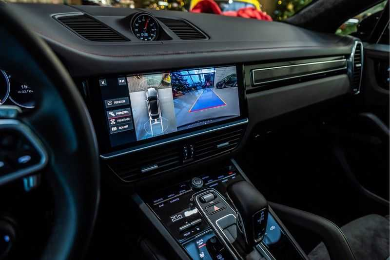 Porsche Cayenne Coupé 4.0 GTS   Head-up-Display   BOSE   Adaptieve luchtvering afbeelding 11