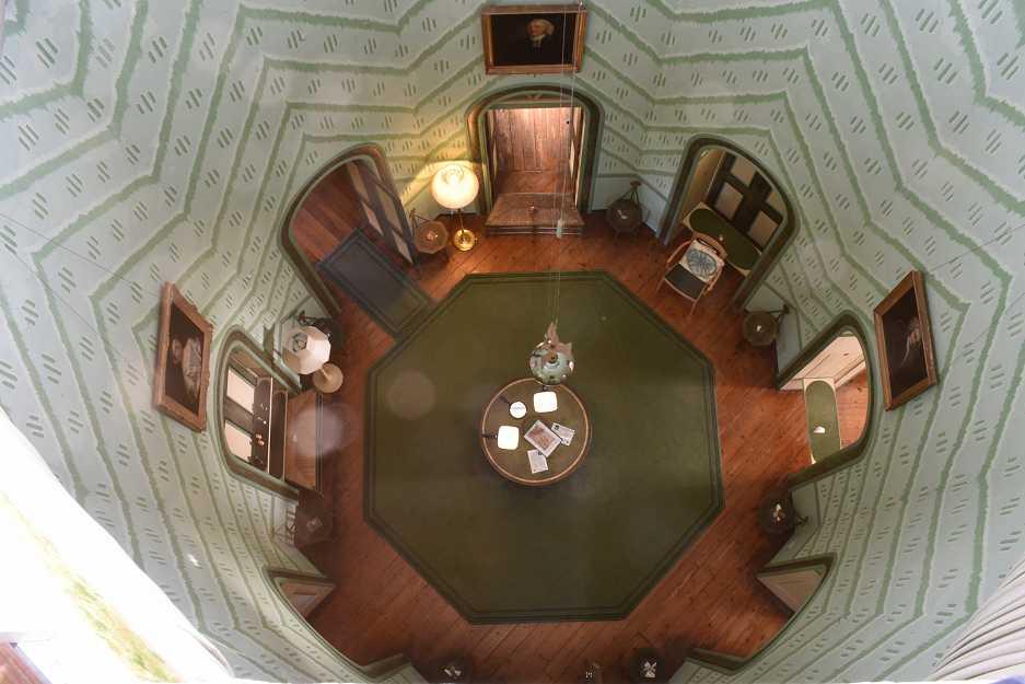 Octagon Room