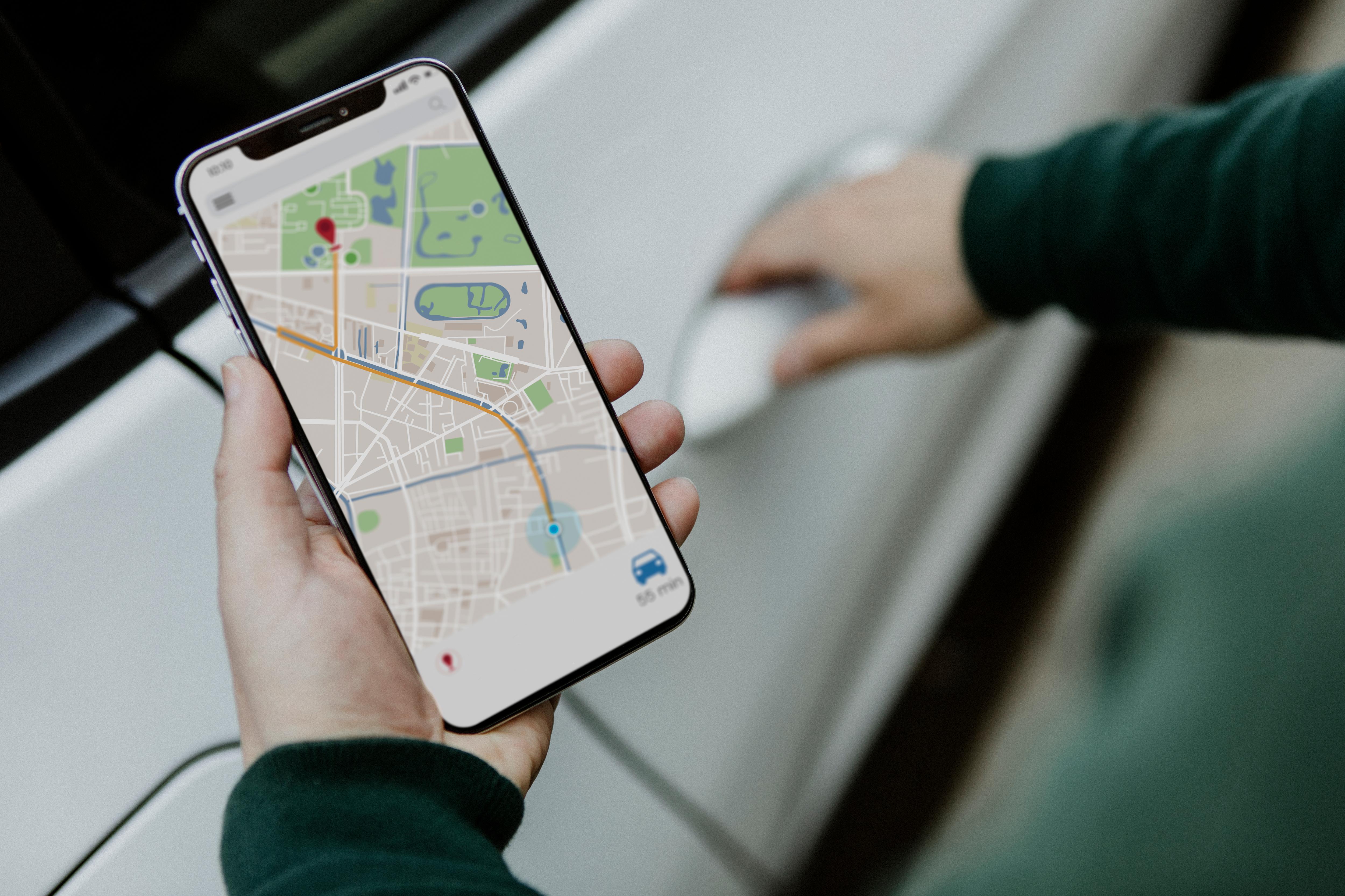 Dispositivo móvil consultando posición GPS