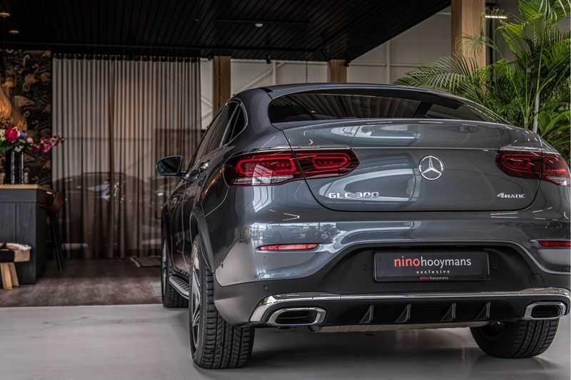 Mercedes-Benz GLC Coupé 300 4MATIC   360° camera   Panorama   Widescreen   Keyless afbeelding 5