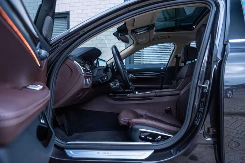 BMW 7 Serie 750i xDrive High Executive, 450 PK, Schuifdak, Gesture Control, Display/Key, Massage, Head/Up, Surround view, 56DKM!! afbeelding 2