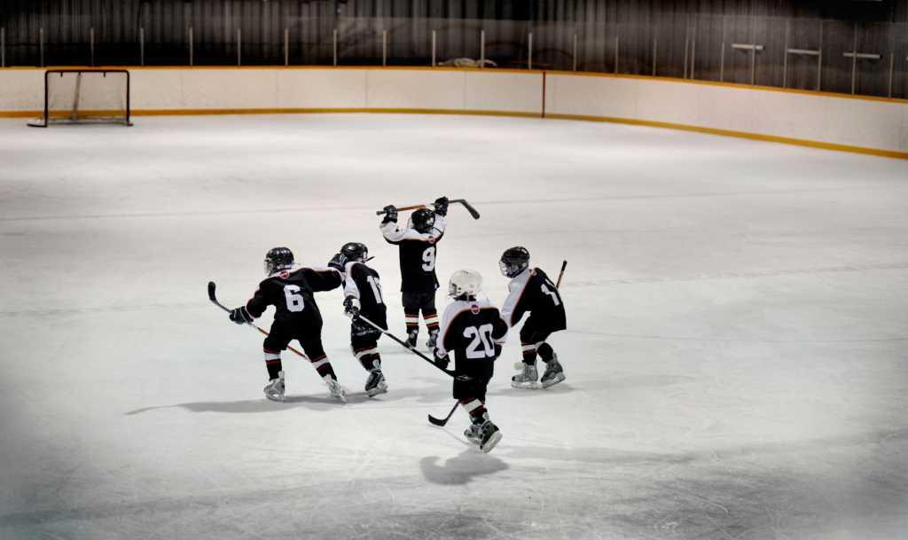 Jääkiekko on Suomen suosituimpia urheilulajeja