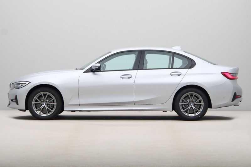 BMW 3 Serie 318i Sedan Exe Sportline Aut. afbeelding 7