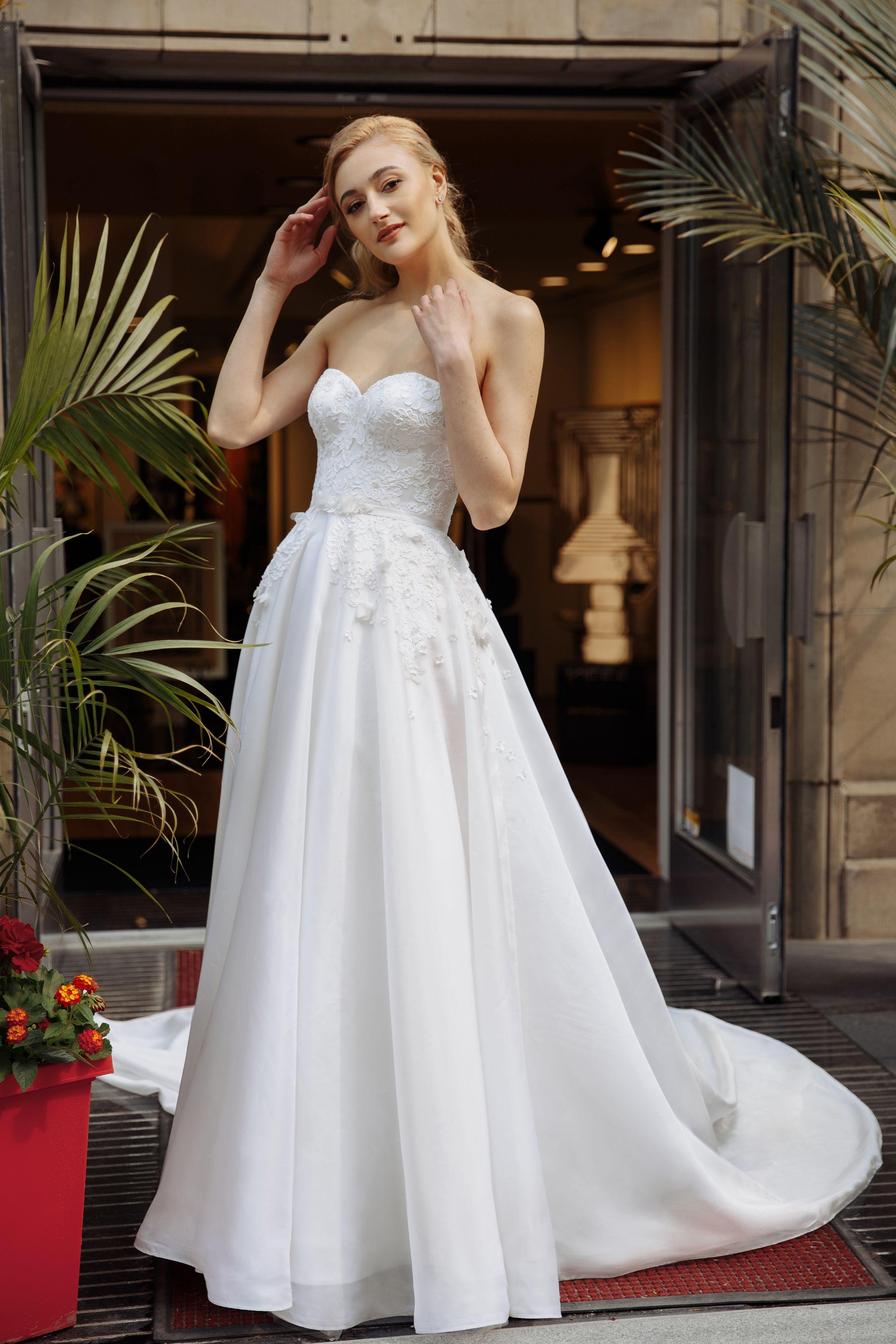 princess dress with long train corset lace montreal wedding dresses