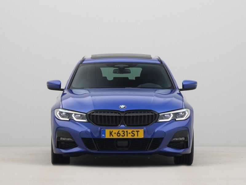 BMW 3 Serie 330i Touring High Executive M-Sport Automaat afbeelding 12