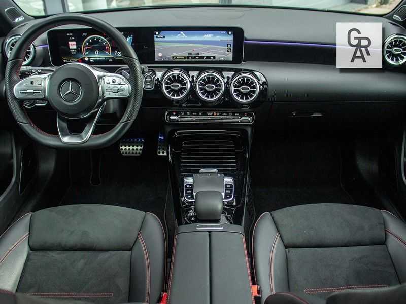 Mercedes-Benz A-Klasse A35 AMG AKRAPOVIC 4MATIC Advantage 370 PK afbeelding 6