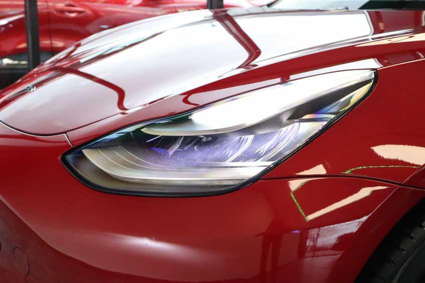 """Tesla Model 3 Long Range EX BTW FSD! Rood Zwart Navigatie 18""""LM 4% Bijtelling afbeelding 2"""