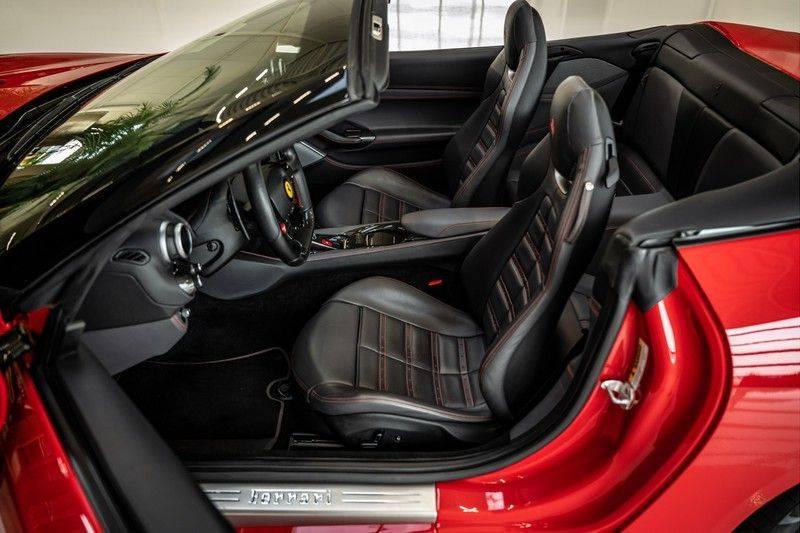 Ferrari Portofino 3.9 V8 HELE   TwoTone Exclusive   Carbon   Passengerdisplay   Memory   Sportstoelen afbeelding 14