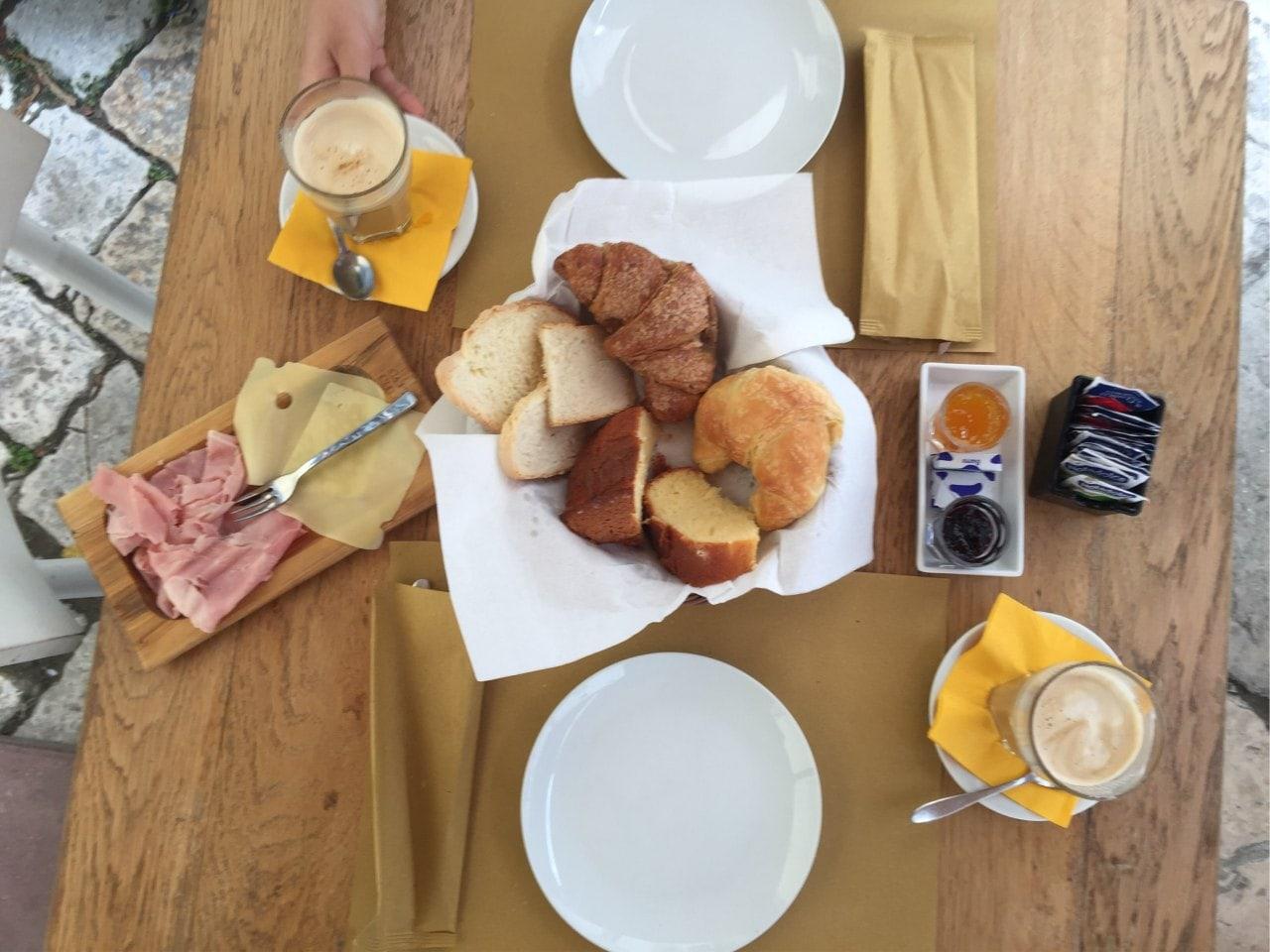 Doručak u Monopoliju