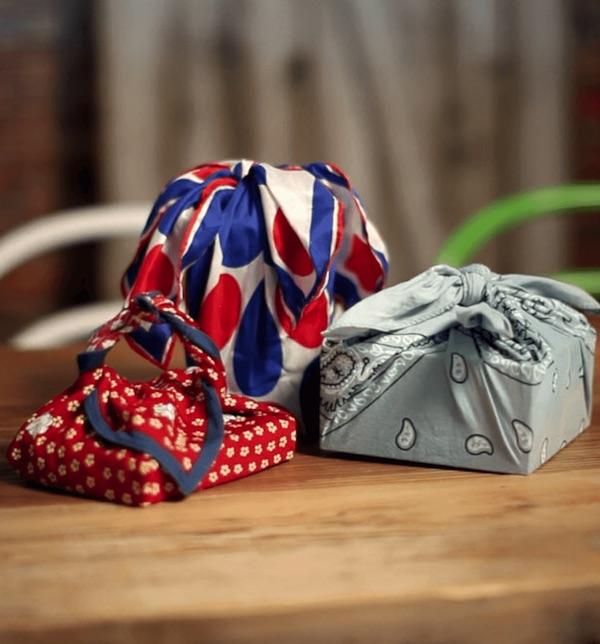 Emballage cadeau en tissu avec la méthode Furoshiki