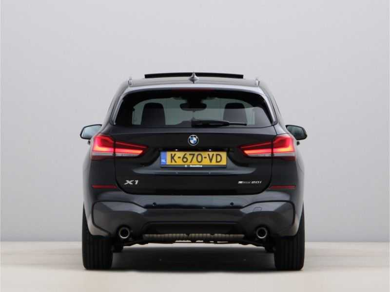 BMW X1 sDrive20i High Exe M-Sport Aut. afbeelding 4