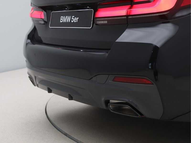 BMW 5 Serie 520e Sedan High Exe M-Sport Hybrid afbeelding 19