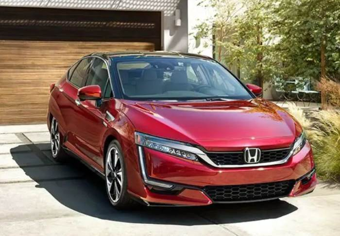 Promotional image of the Honda Clarity Hydrogen model from 2018
