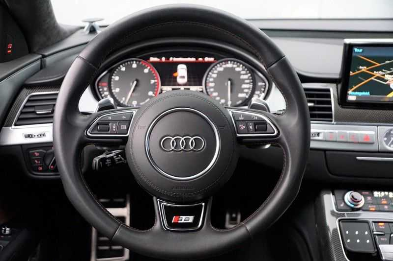 Audi S8 4.0 TFSI quattro Pro Line+ / B&O / Nightvision / Side- & Lane assist / Schuifdak / Head-Up afbeelding 12